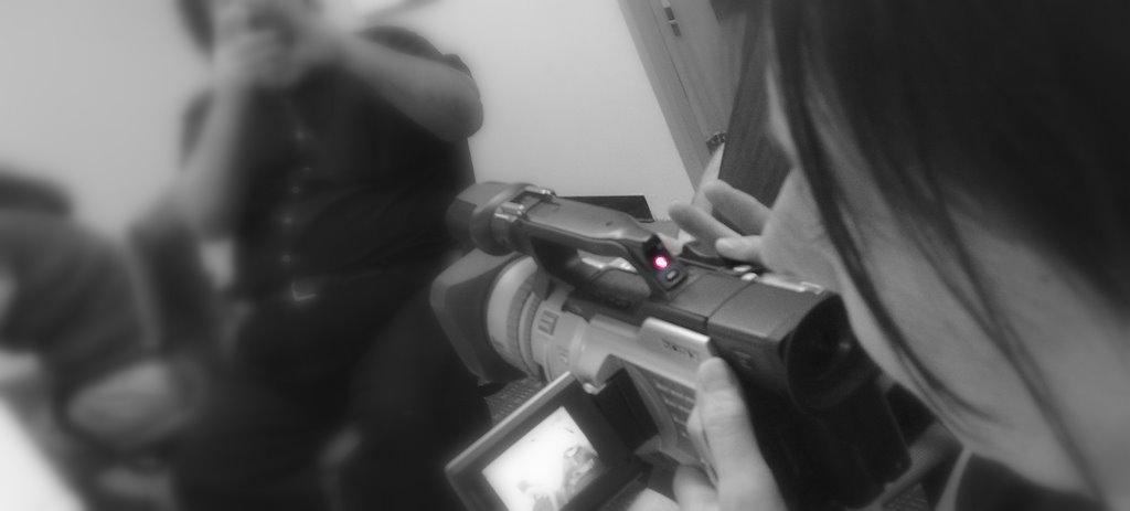 -FilmingSocialMedia1_SGarfield